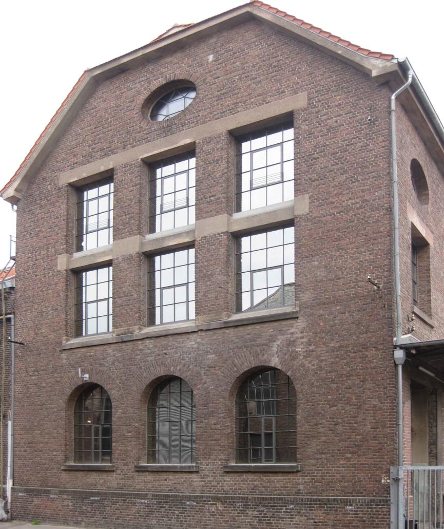 Objektansicht Altes Gaswerk, Stahlfenster mit Sprossen, Loftfenster, Atelierfenster