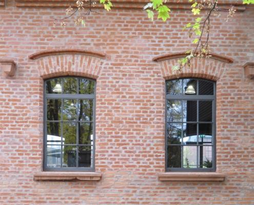 Stahlfenster wärmegedämmt, Industriedesign, ein Öffnungsflügel dreh-kipp
